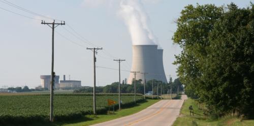 Byron_Nuclear_Power_Plant,_IL_02