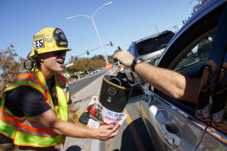 11-27-15-LOCAL-'Fill-the-Boot'-photo-1-1024x683