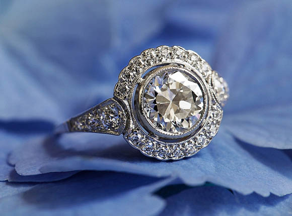 ... engagement rings, wedding rings and fine jewellery by Brilliant Earth
