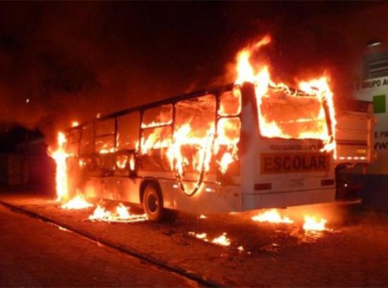 Autobuses incendiados