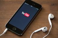 Bigstock-Youtube-Application-On-Apple-I-66286753-672x372