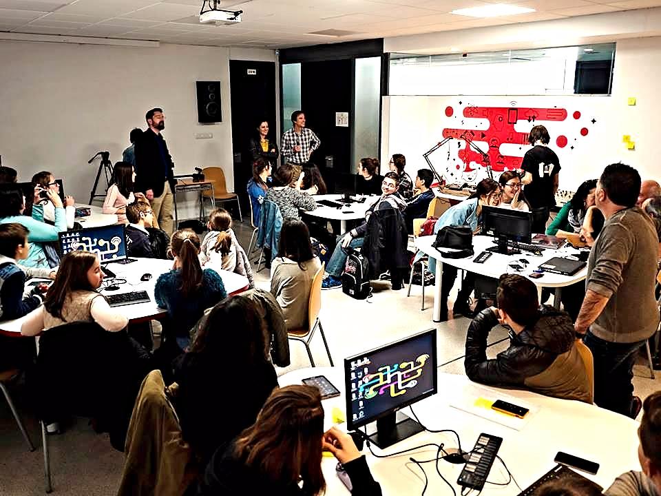 Visita, al aula de música, de Roger Dannenberg, creador de Audacity y socio en el proyecto Soundcool. IES 'Arabista Ribera' | Adolf Murillo
