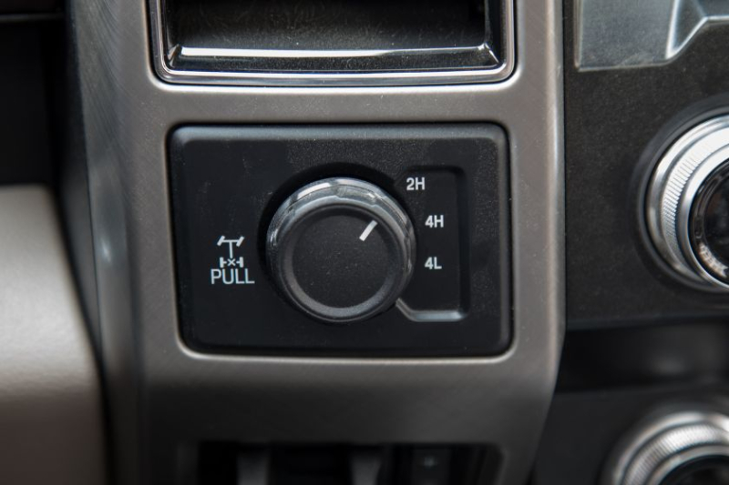2019 Ford F-250 Limited FX4 Drive Mode Selector