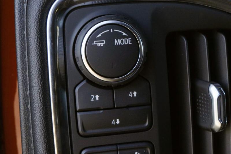2020 Chevrolet Silverado 2500 Drive Mode Selector