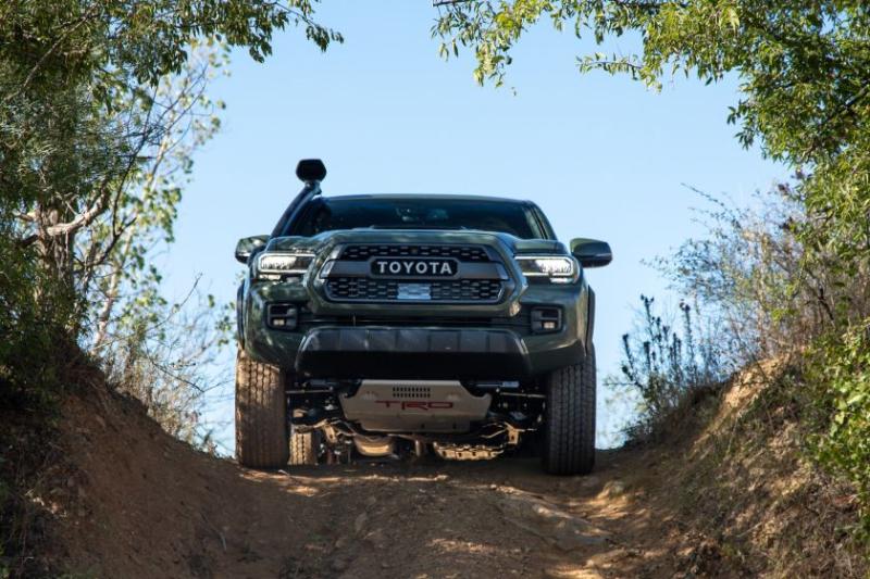 2020 Toyota Tacoma TRD Pro Cresting Hill