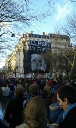 Hollande kills family
