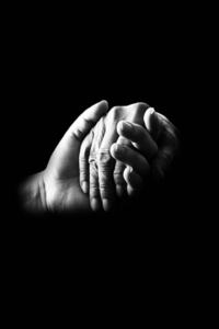 Hands-699486_640