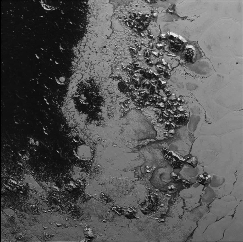 Nh-pluto-mountain-range