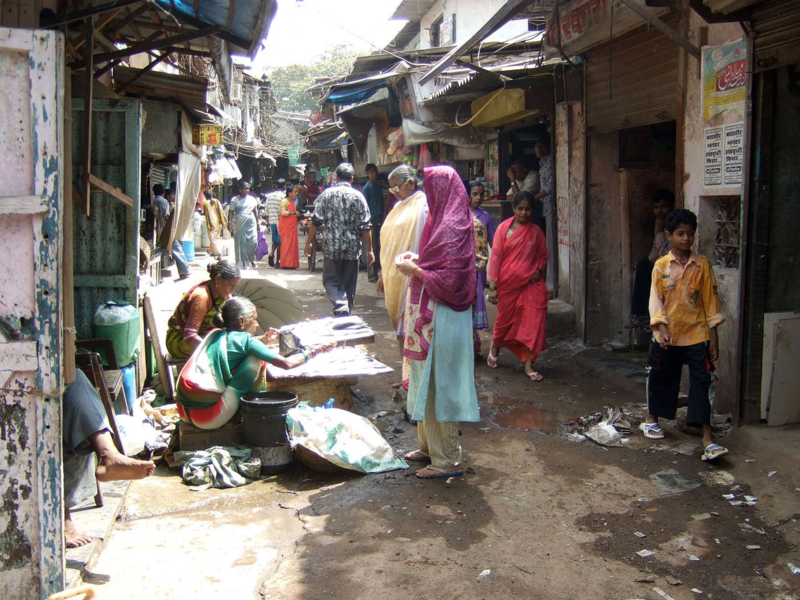 1280px-Dharavi_Slum_in_Mumbai