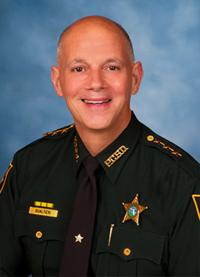 Large-sheriff-bob-gualtieri-02